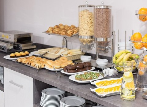 Breakfast buffet at Familia Conde 3-star Hotel, in Huelva